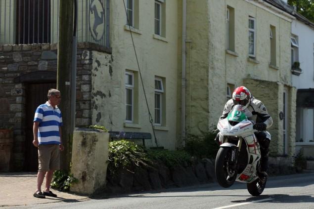 Rhencullen-2013-Isle-of-Man-TT-Richard-Mushet-07
