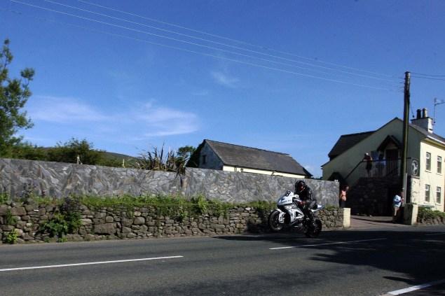 Rhencullen-2013-Isle-of-Man-TT-Richard-Mushet-19