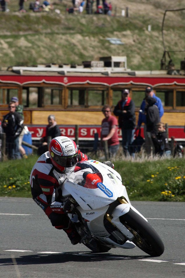 The-Bungalow-Supersport-TT-Zero-2013-Isle-of-Man-TT-Richard-Mushet-16