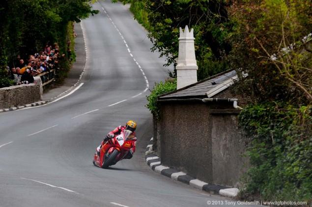 Trackside-Tuesday-Isle-of-Man-TT-2013-Tony-Goldsmith-02