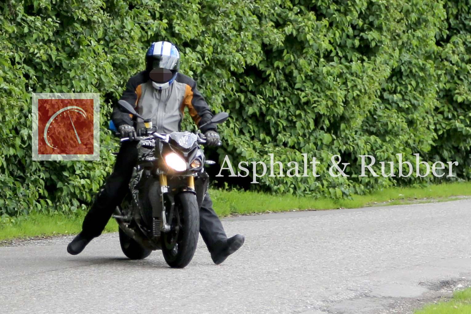 Spy Photos The Bmw S1000Rr Naked Bike Winks At Us - Asphalt  Rubber-4131
