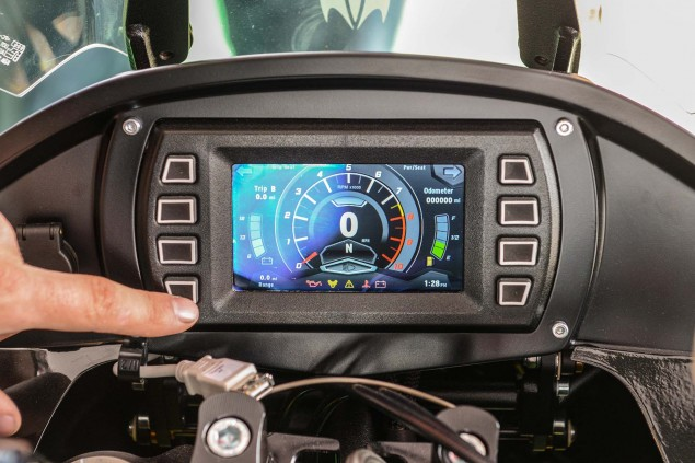 Motus-Motorcycles-MST-R-LCD-dash-01