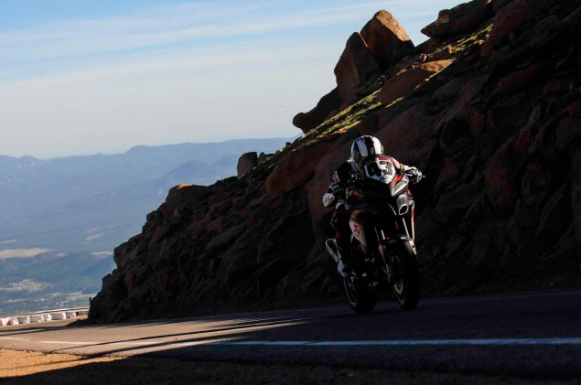Spider-Grips-Ducati-Multistrada-1200-S-Pikes-Peak-race-bike-31