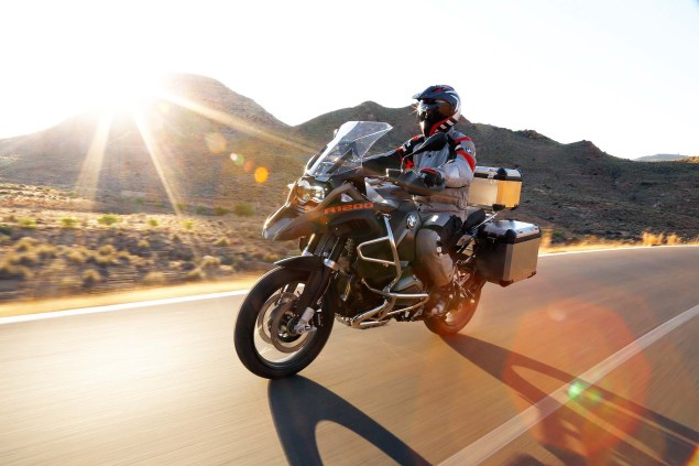 2014-BMW-R1200GS-Adventure-action-39