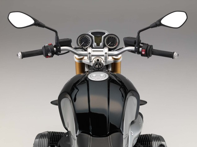 BMW-R-NineT-studio-23