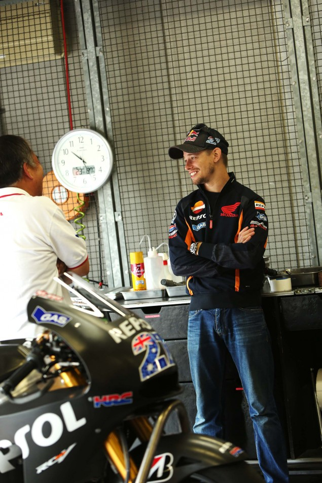 Casey-Stoner-HRC-test-2014-Honda-RCV1000R-RC213V-09