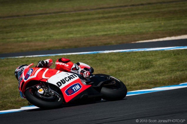 Saturday-Phillip-Island-MotoGP-2013-Scott-Jones-09