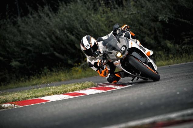 2014-KTM-RC390-15
