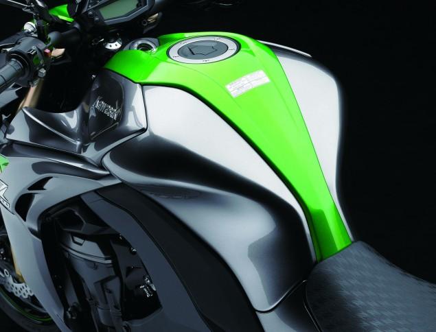 2014-Kawasaki-Z1000-06