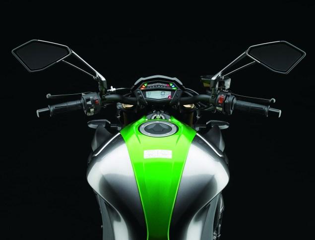 2014-Kawasaki-Z1000-10