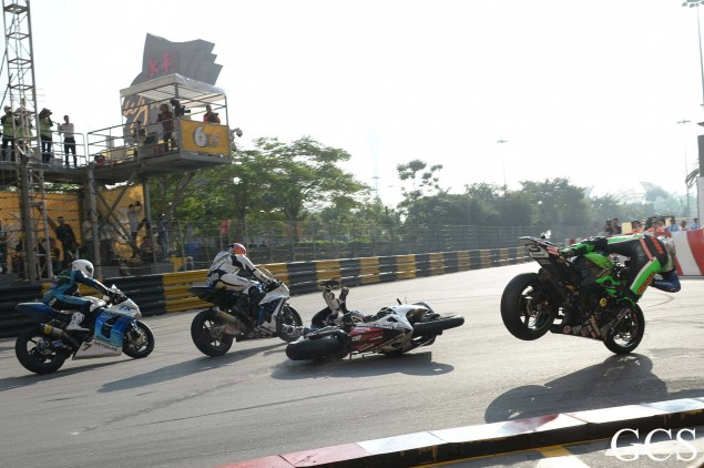 Macau-GP-crash-6