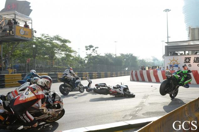 Macau-GP-crash-8