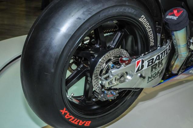Suzuki-MotoGP-race-bike-EICMA-02