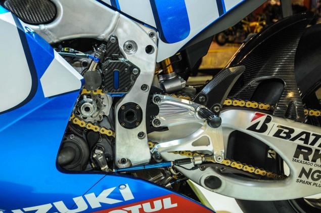 Suzuki-MotoGP-race-bike-EICMA-12