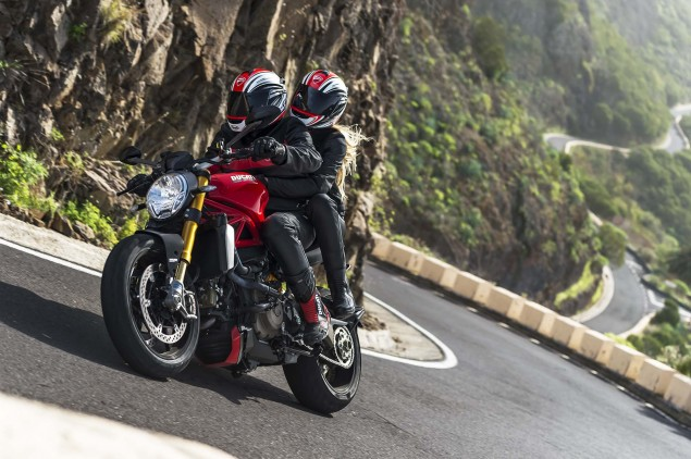 2014-Ducati-Monster-1200-action-41