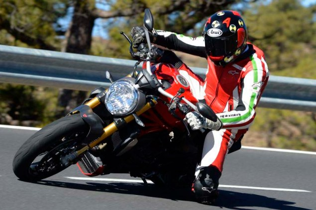 Ducati-Monster-1200-S-review-Iwan-van-der-Valk-02