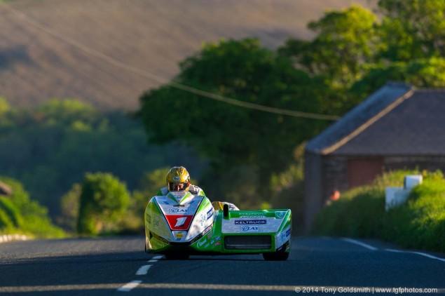 Cronk-y-Voddy-Straight-Isle-of-Man-TT-2014-Tony-Goldsmith-07