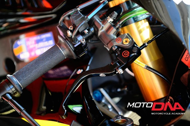Emergency-Braking-motoDNA-02