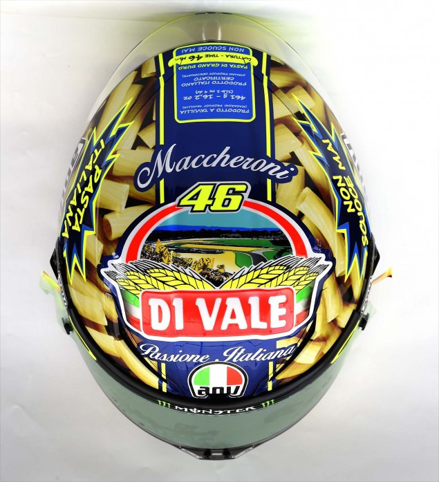 Valentino-Rossi-AGV-Helmet-Mugello-2014-05