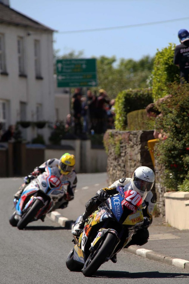 2014-Isle-of-Man-TT-Ballaugh-Richard-Mushet01