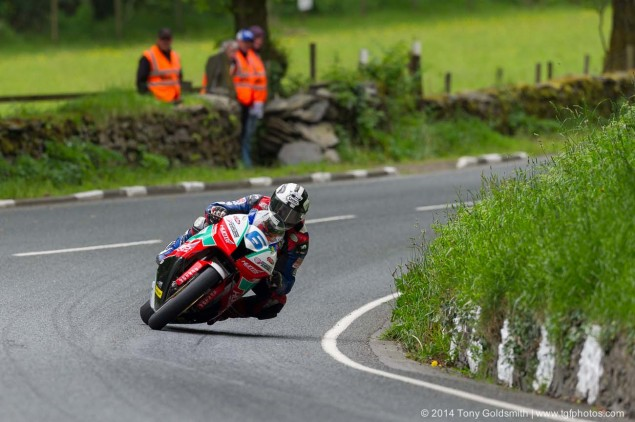 2014-Isle-of-Man-TT-Glen-Helen-Tony-Goldsmith-58