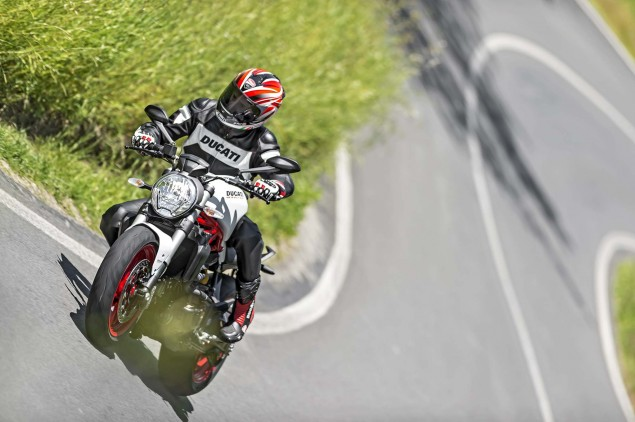 2015-Ducati-Monster-821-85