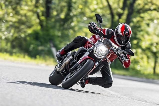2015-Ducati-Monster-821-99
