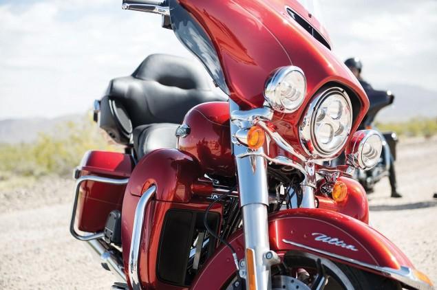 2014-Harley-Davidson-FLHTCU-Ultra-Classic-Electra-Glide