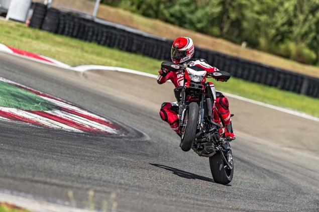 2015-Ducati-Hypermotard-SP-04