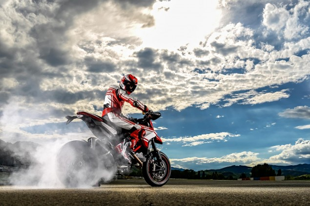Ducati-Hypermotard-SP-burnout