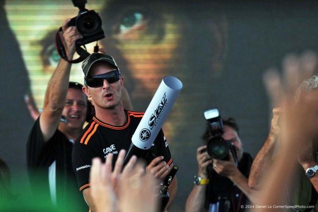 Saturday-Indianapolis-MotoGP-Indianapolis-GP-colin-edwards-tshirt-gun-Daniel-Lo