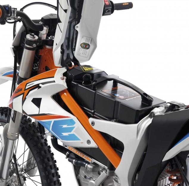 2015-KTM-Freeride-E-SM-06