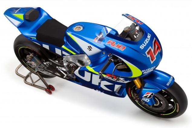 2015-Suzuki-GSX-RR-MotoGP-race-bike-06