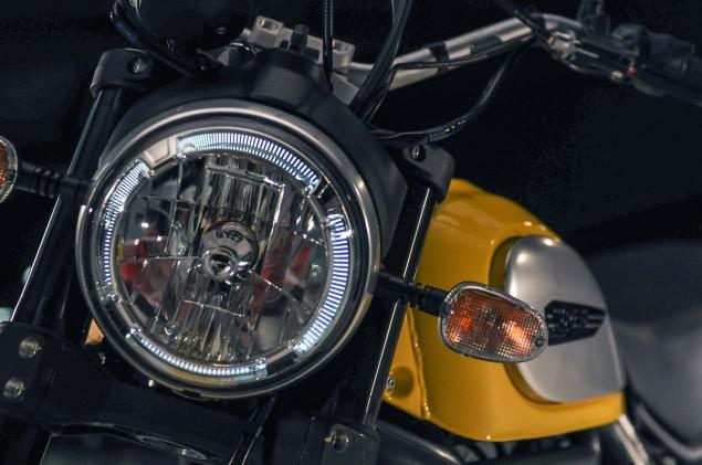 Ducati-Scrambler-up-close-03