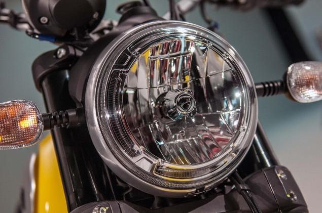 Ducati-Scrambler-up-close-13