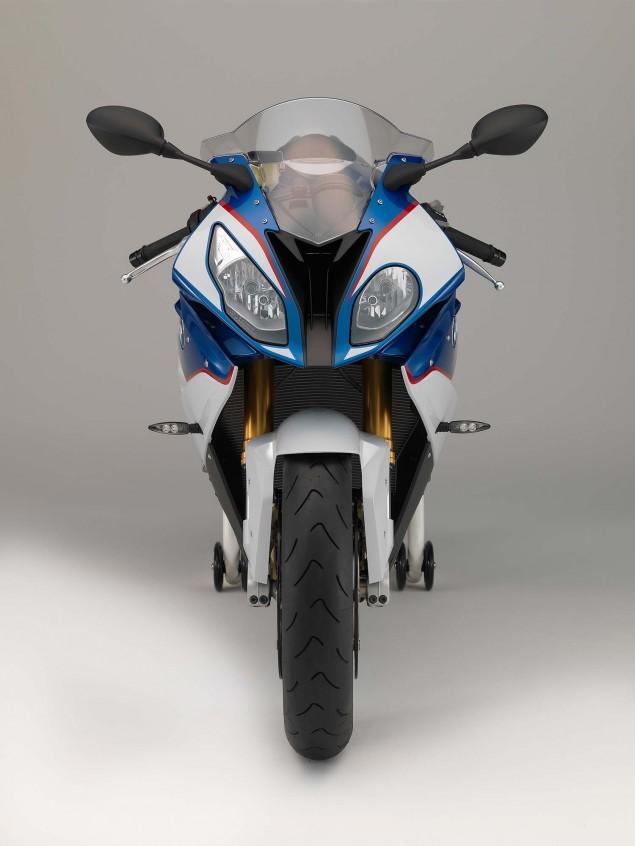 2015-BMW-S1000RR-studio-67