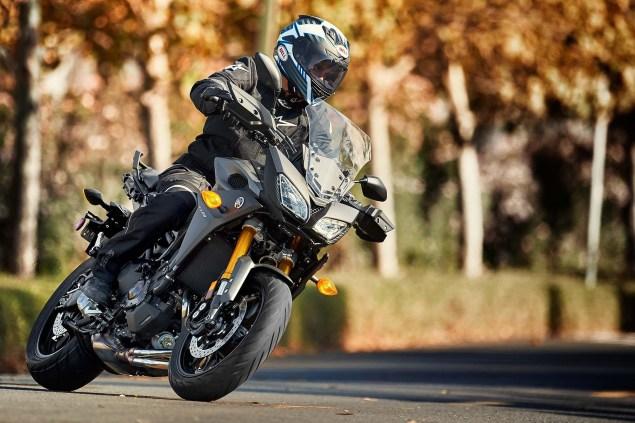 2015-Yamaha-FJ-09-MT-09-Tracer-01