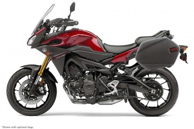 2015-Yamaha-FJ-09-MT-09-Tracer-34
