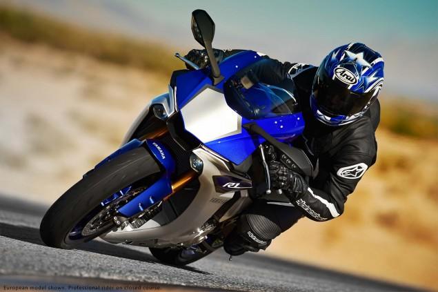 2015-Yamaha-YZF-R1-30