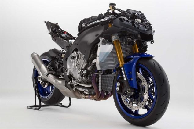 2015-Yamaha-YZF-R1-44