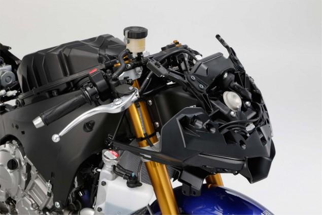 2015-Yamaha-YZF-R1-47