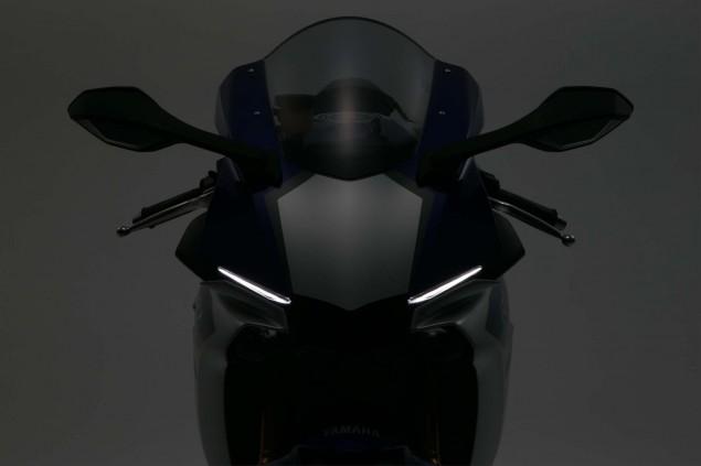 2015-Yamaha-YZF-R1-74
