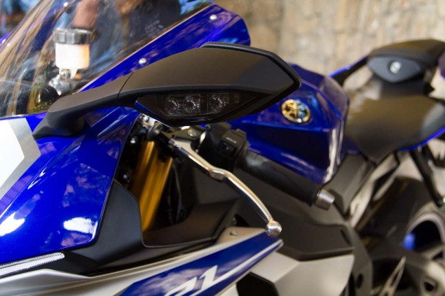 2015-Yamaha-YZF-R1M-up-close-Alicia-Mariah-Elfving-12