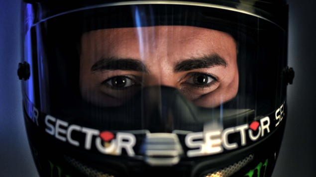 2015-Yamaha-Racing-Jorge-Lorenzo-12