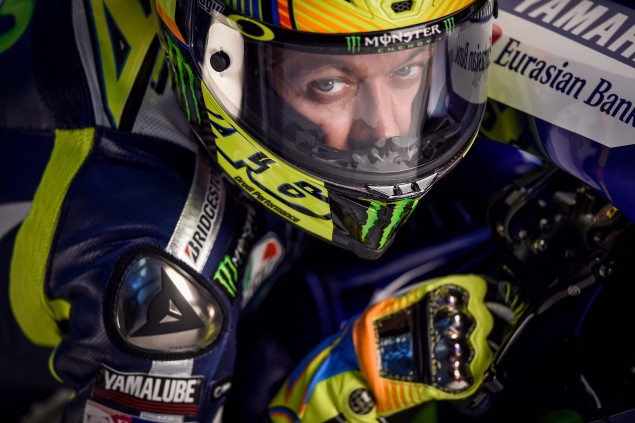 2015-Yamaha-Racing-Valentino-Rossi-36
