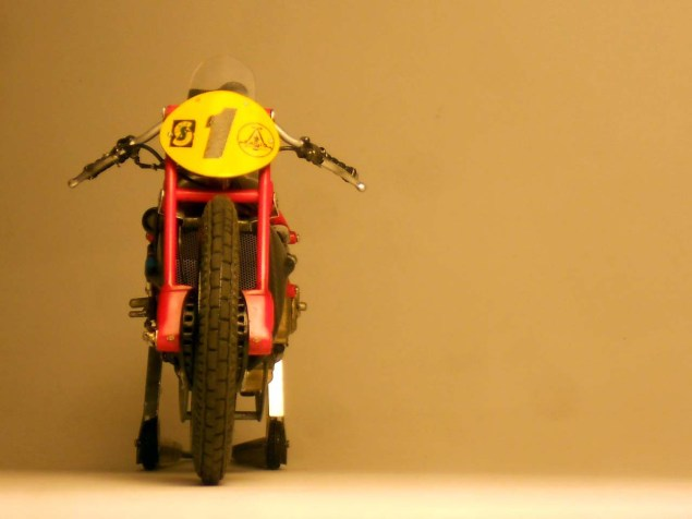 Ducati-Desmosedici-Cucciolo-Concept-Alex-Garoli-01