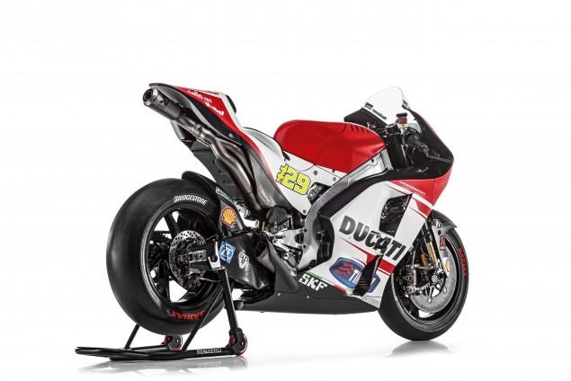 2015-Ducati-Desmosedici-GP15-MotoGP-Andrea-Iannone-09