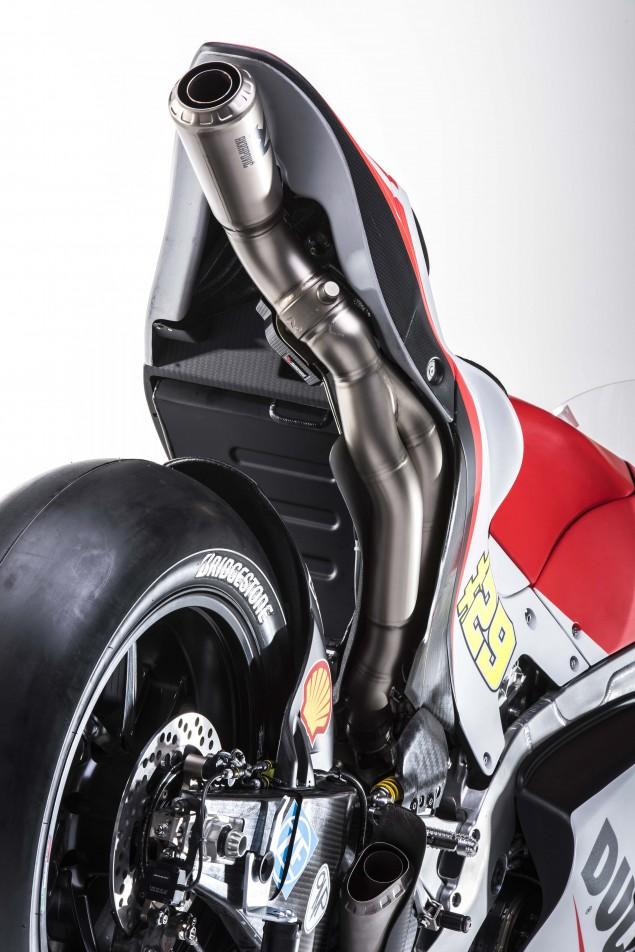 2015-Ducati-Desmosedici-GP15-MotoGP-Andrea-Iannone-12