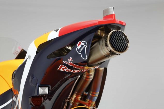 2015-Honda-RC213V-Marc-Marquez-HRC-huge-02