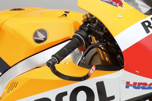 2015-Honda-RC213V-Marc-Marquez-HRC-huge-20